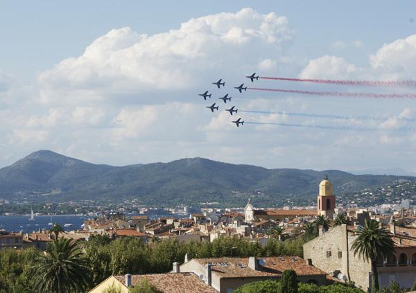 Commémoration du 15 Août_Patrouille de france au dessus de Saint-Tropez