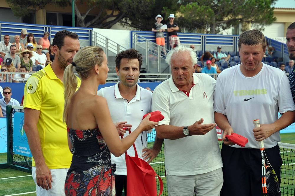 Saint-Tropez Classic Tennis Tour 2015 - Remise des prix (Bracelet Noreve en cuir & son charm Clocher) à Levgueni Kafelnikov, Marat Safin, Michael Llodra & Fabrice Santoro