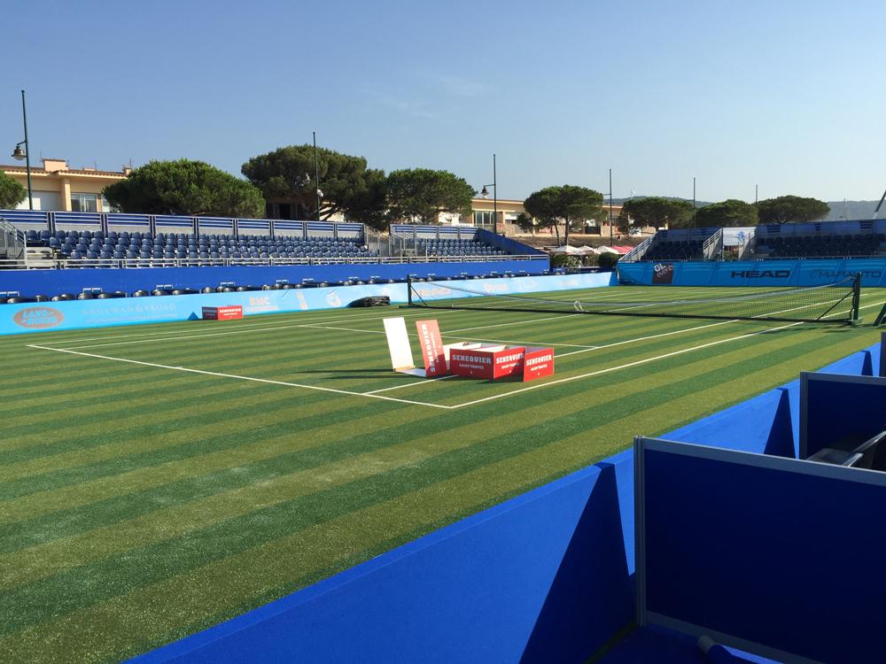 Saint-Tropez Classic Tennis Tour 2015 - Terrain officiel sur le parking du port de Saint-Tropez