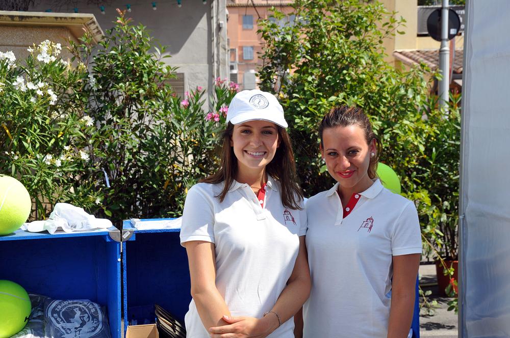 Saint-Tropez Classic Tennis Tour 2015 - Hôtesses habillées du polo Noreve Griffe 1