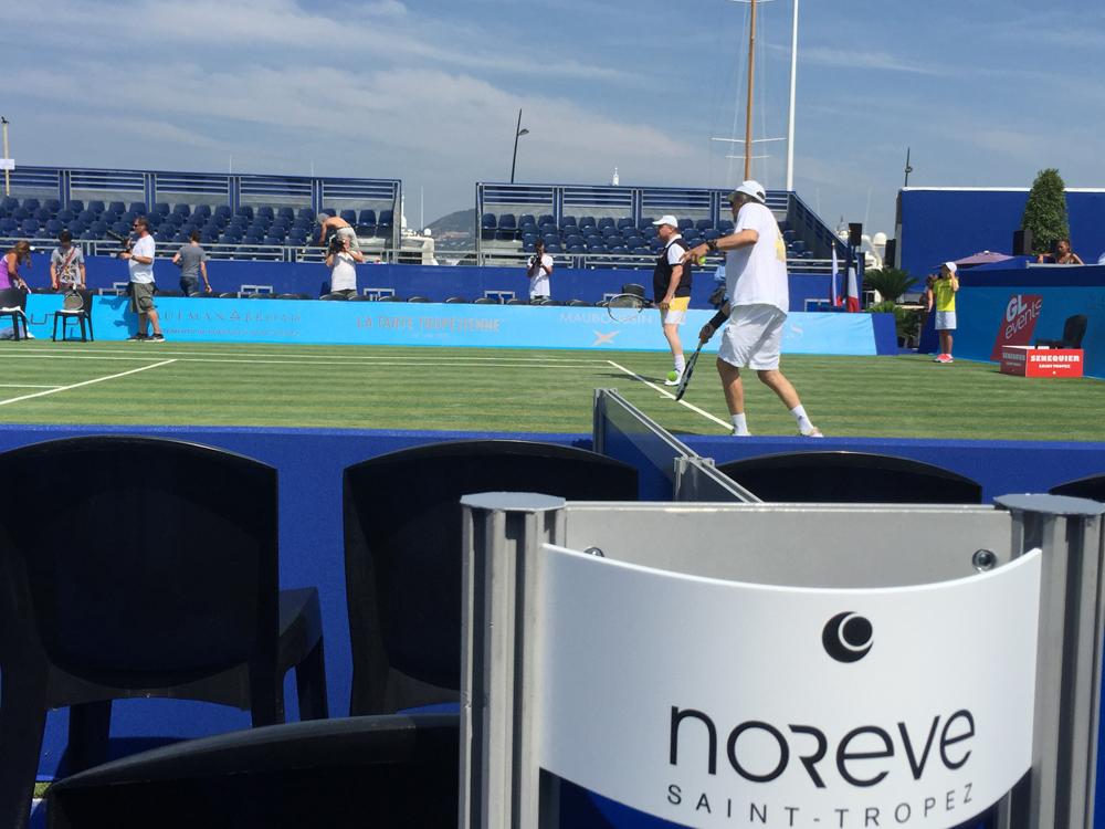Saint-Tropez Classic Tennis Tour 2015 - Première matinée : échauffement de Ilie Năstase & Aurel Munteanu
