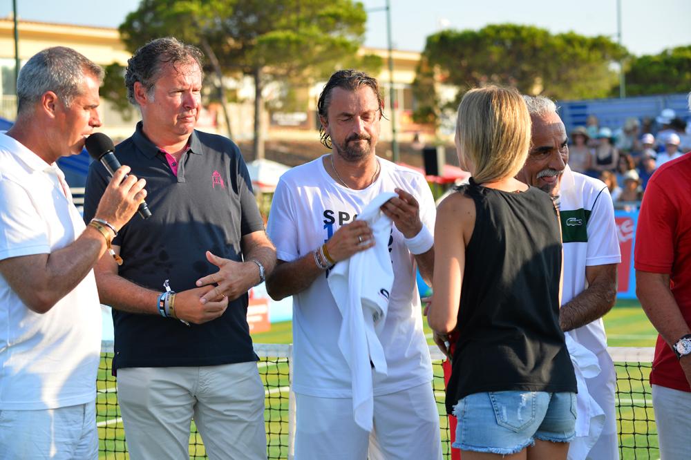 Saint-Tropez Classic Tennis Tour 2015 - Christophe James (habillé du Polo Noreve), Henri Leconte, Mansour Bahrami et Géraldine Guigues pour la remise des prix Noreve