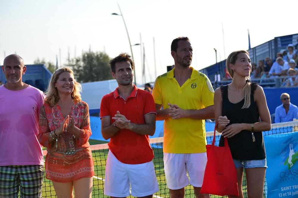 Saint-Tropez Classic Tennis Tour 2015 - Sylvie Siri (adjointe à la mairie de Saint-Tropez), Fabrice Santoro, Michael Llodra & Géraldine Guigues pour la remise des prix Noreve