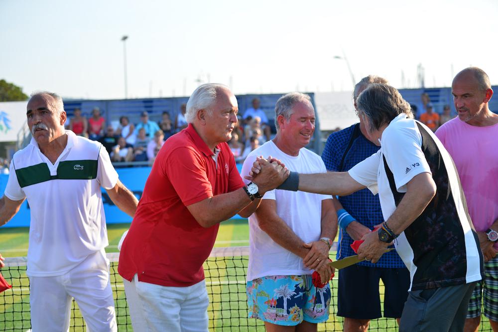 Saint-Tropez Classic Tennis Tour 2015 - Mansour Bahrami, Christian Bîmes et  Ilie Năstase pour la remise des prix Noreve
