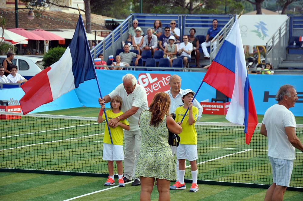 Saint-Tropez Classic Tennis Tour 2015 - Match en double France - Russie (Christian Bîmes & Jean-Pierre Tuvéri - maire de Saint-Tropez)