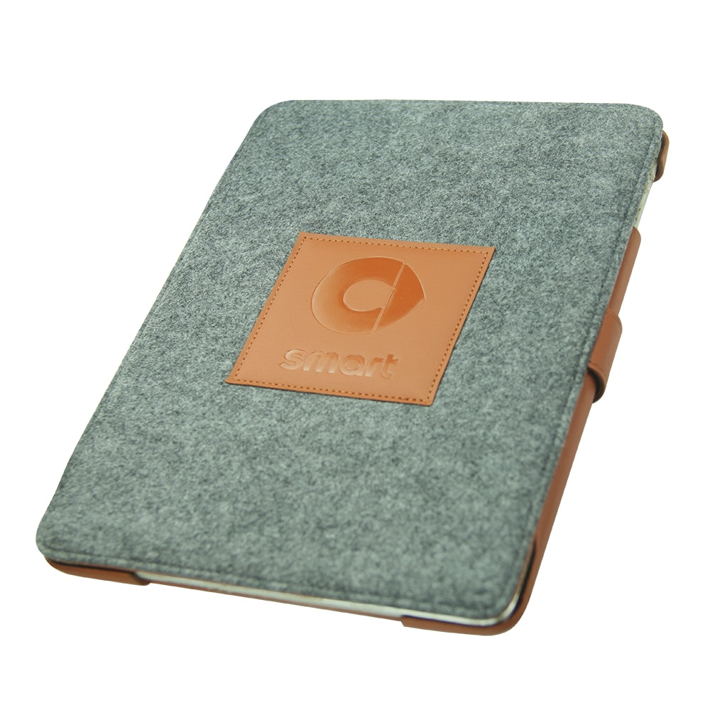 iPad case in felt as designed by Noreve for Smart